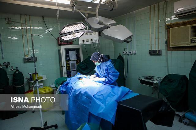 وزیر بهداشت از طرح های در حال ساخت بیمارستان مهریز بازدید کرد