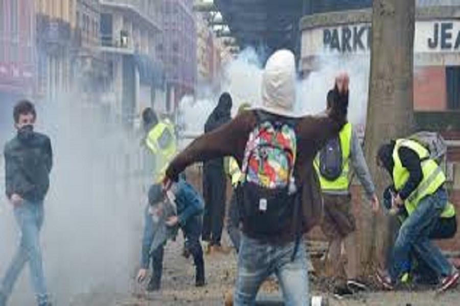 پلیس فرانسه به جلیقه زردها در شهر تولوز حمله کرد