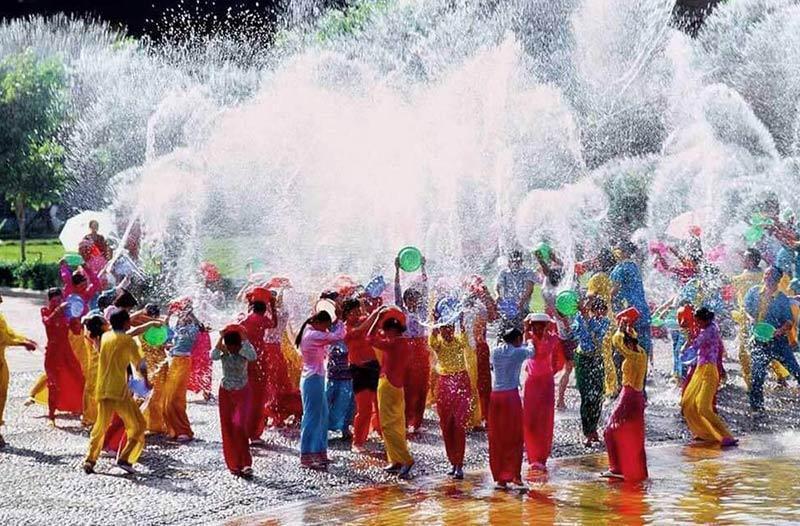 سونگکران، جشن آب تایلند