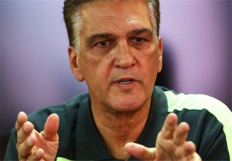 در اردوی تیم ملی با سفره هفت سین آشنا شدم، امیدوارم پس از بازی با هند و عمان مردم را خرسند کنیم