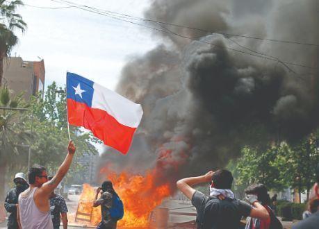 معترضان شیلیایی به خیابان بازگشتند