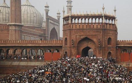 افزایش شمار کشته شدگان اعتراضات هند به 17 نفر