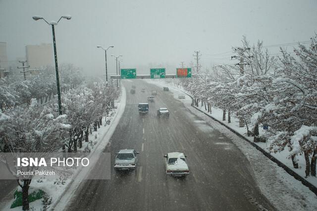 تردد برف، مه و کولاک در جاده های زنجان