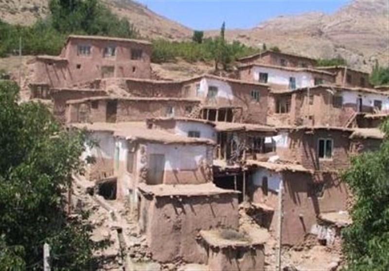 راهنمایان گردشگری دنیا از آثار تاریخی برجسته قزوین بازدید می نمایند