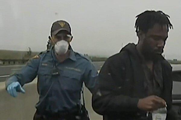 قتل یک سیاه پوست دیگر به دست پلیس در آمریکا جنجالی شد