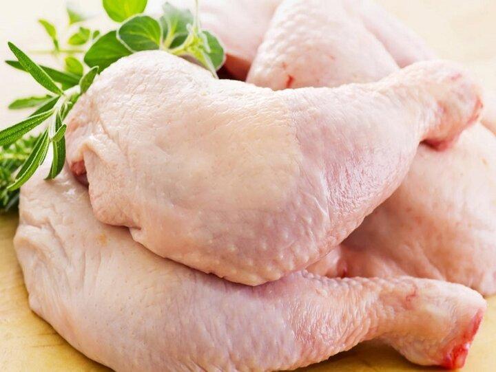 کارگر: بازار گوشت مرغ با عرضه مرغ منجمد تنظیم می شود ، قیمت تخم مرغ کاهش می یابد
