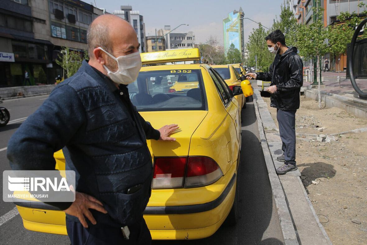خبرنگاران پلیس همدان: رانندگان از سوارکردن افراد بدون ماسک خودداری کنند