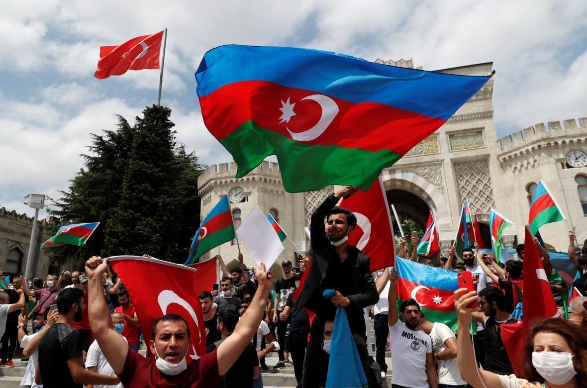 الهام علیف در جنگ با ارمنستان پیروز شد ولی آذربایجان باخت!