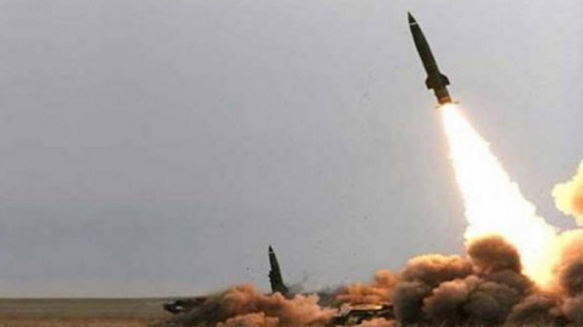 حمله موشکی انصارالله به پایگاه نظامی عربستان