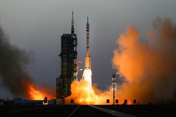 آزمایش موفقیت آمیز موشک سوخت جامد چین