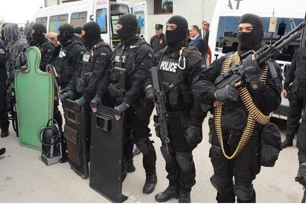 نیروهای امنیتی مسیرهای منتهی به مجلس تونس را بستند