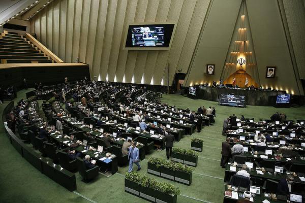 انتقاد از پیشنهاد تغییر نام وزارت خارجه: آقایان لقمه را چپه می خورند
