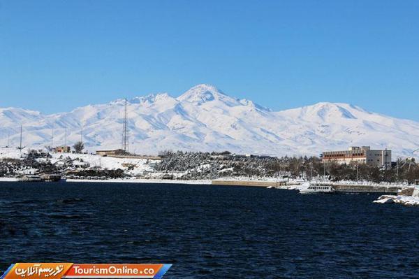 وزیر نیرو: تاسیسات گردشگری در اطراف دریاچه سدهای کشور ساخته می گردد