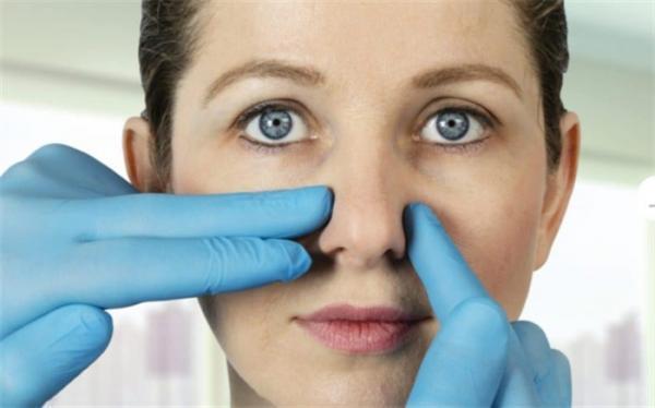 عوارض انحراف بینی