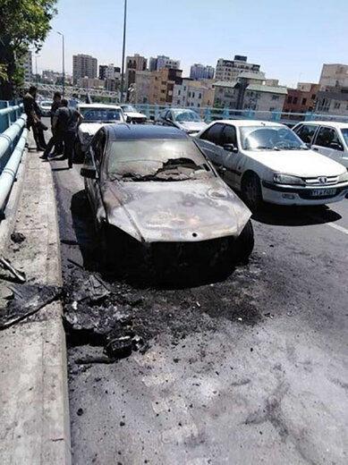 آتش سوزی خودروی میلیاردی روی پل ارتش